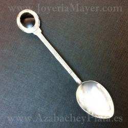Cucharilla de plata y azabache